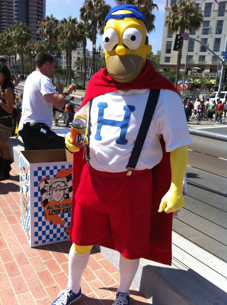 Comic-Con Friday: More Costumes, Games, and the AVGN